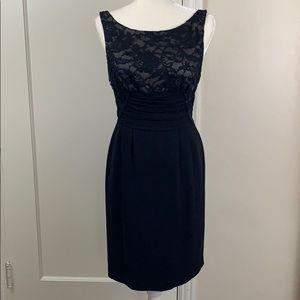 Elie Tahari 4 retro look classy black & lace dress